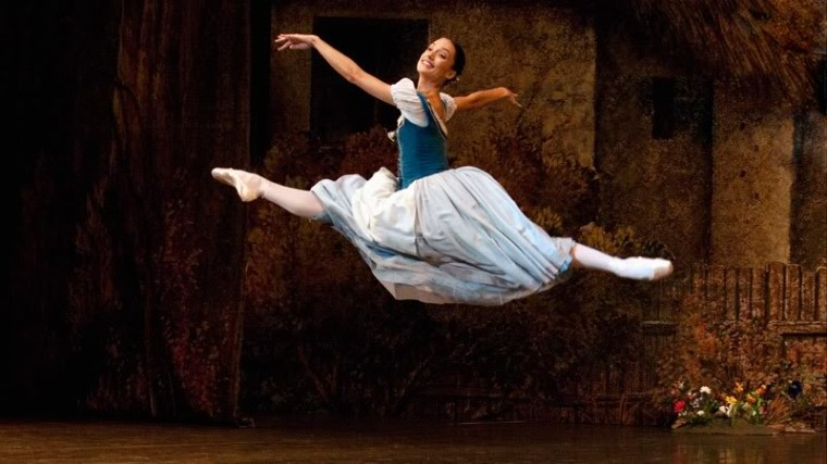 Dorothée Gilbert in Giselle. Photo from www.dorothee-gilbert.com
