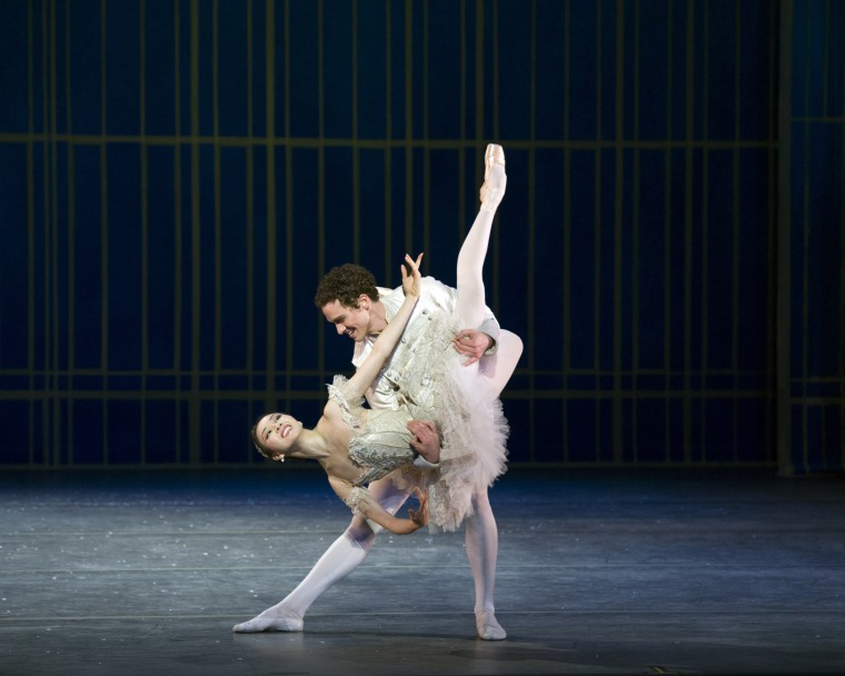 Hee Seo and Cory Stearns in the grand pas de deux in the second act of Nutcracker. Photo by Gene Schiavone.