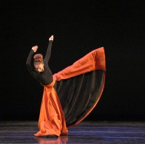 "Blakeley White-McGuire (and her extraordinary dress) in ""Imperial Gesture."" Photo by Charles Eilber."