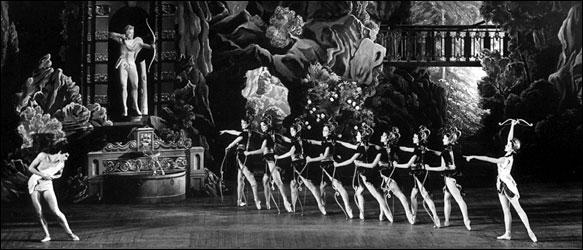 Margot Fonteyn in Sylvia in 1952. Felix Fontayn, Royal Opera House Archive