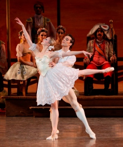 Coppélia and Garía in the wedding pas de deux. Photo by Paul Kolnik.