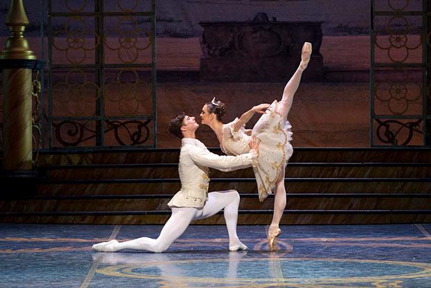 Vladimir Shishov and Jurgita Dronina as Prince Florimund and Aurora in The Sleeping Beauty. Photo by Francesco Squeglia.