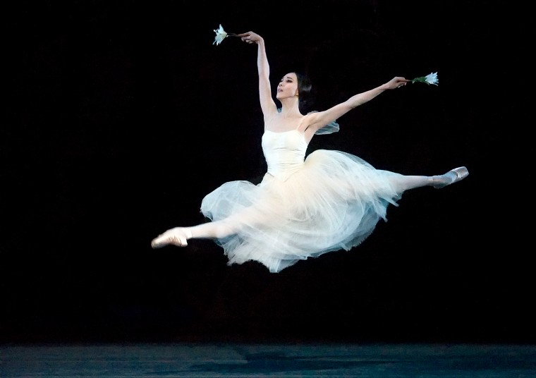 Hee Seo in Giselle. Photo by Gene Schiavone.