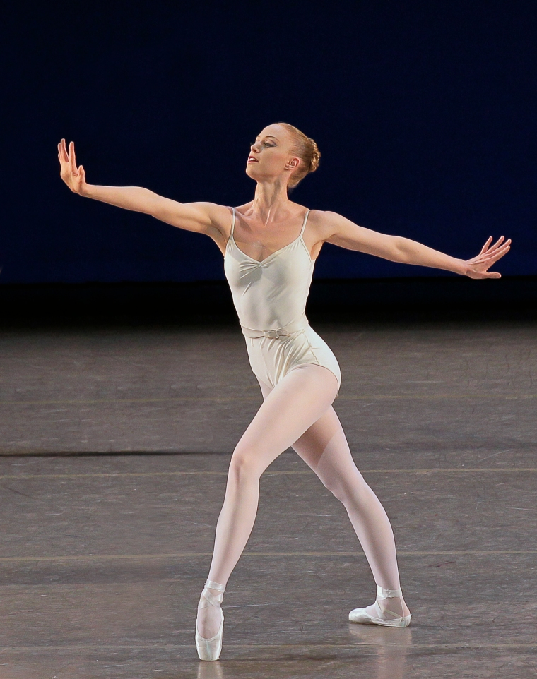 Teresa Reichlen in Movements for Piano and Orchestra. Photo by Paul Kolnik.