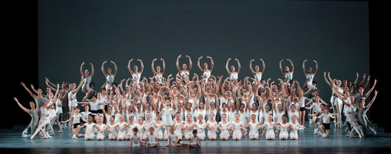 The final tableau from Alexei Ratmansky's Rondo Capriccioso. © Marty Sohl.
