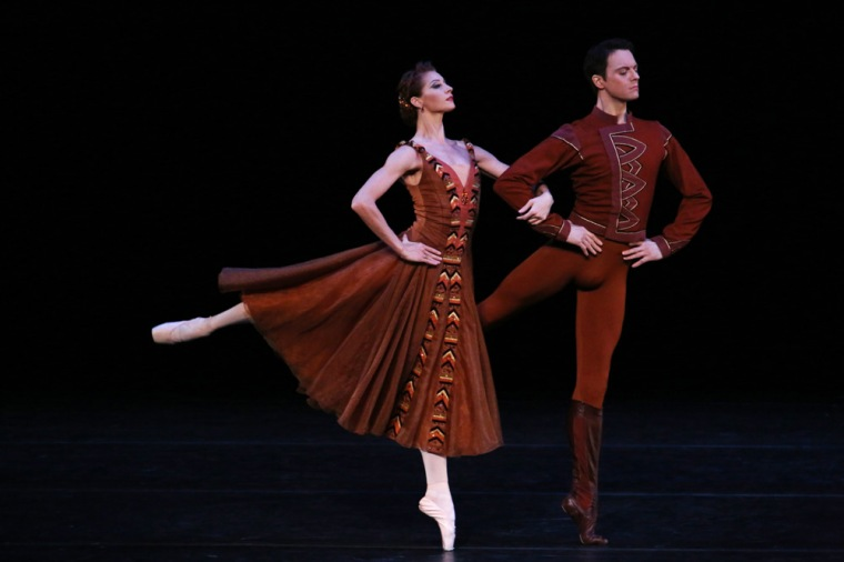 Yekaterina Kondaurova and Yevgeny Ivanchenko in Jerome Robbins' In the Night, by Julieta Cervantes.