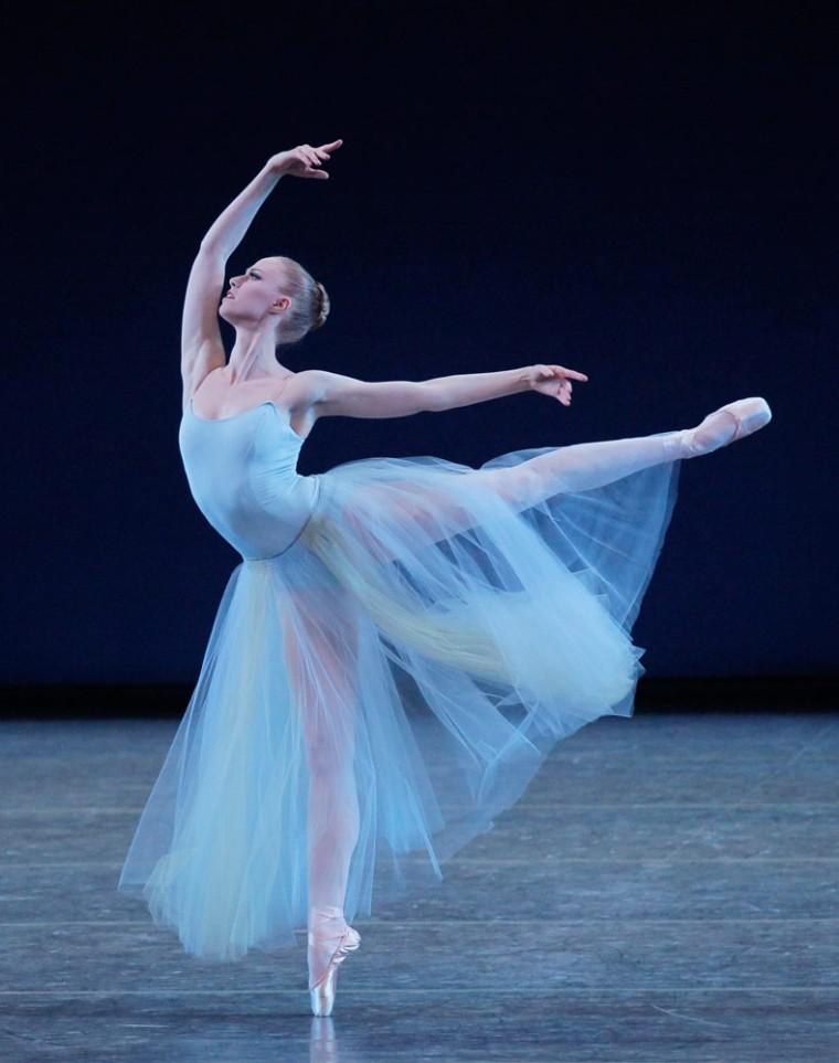 Teresa Reichlen in Serenade. Photo by Paul Kolnik.