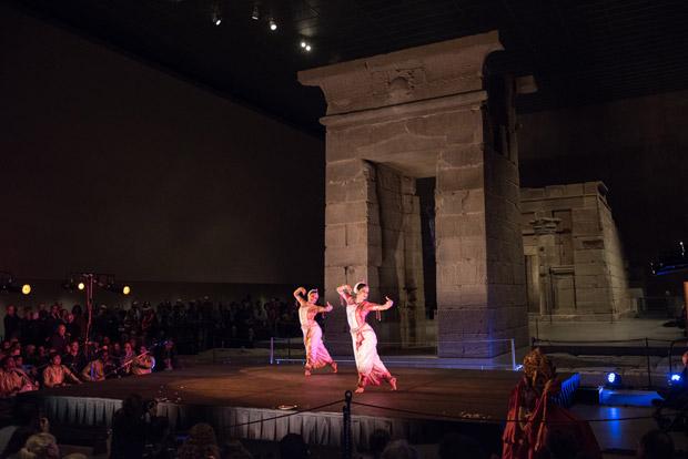 Nrityagram at The Temple of Dendur at The Metropolitan Museum of Art. Photo by Nan Melville.