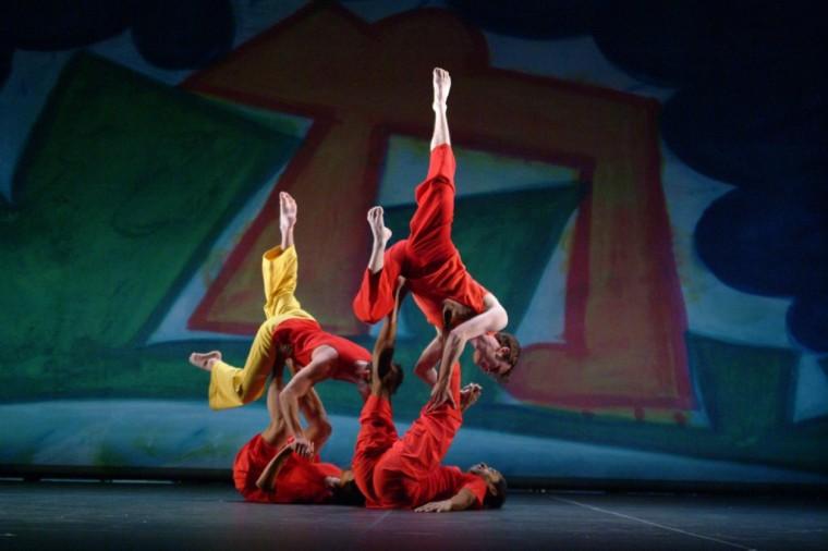 Trisha Brown Dance Company in Present Tense. © Nan Melville.